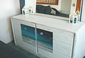 Crafts_distresseddresser